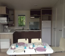 location mobilhome pacifique 2 chambres : camping près du parc les 3 récrés