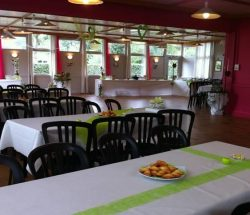 Camping 4 étoiles en Bretagne : location salle