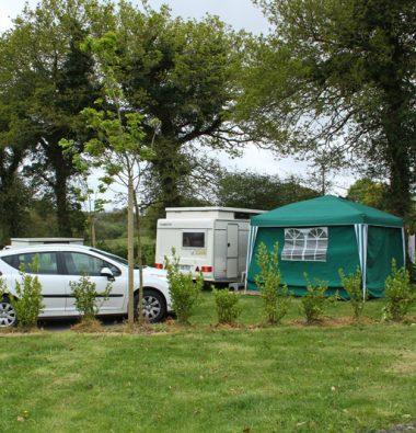 Camping car au camping à Milizac